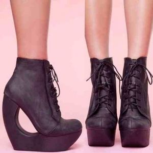 Jeffrey Campbell Roxie Wedge Booties Size 38